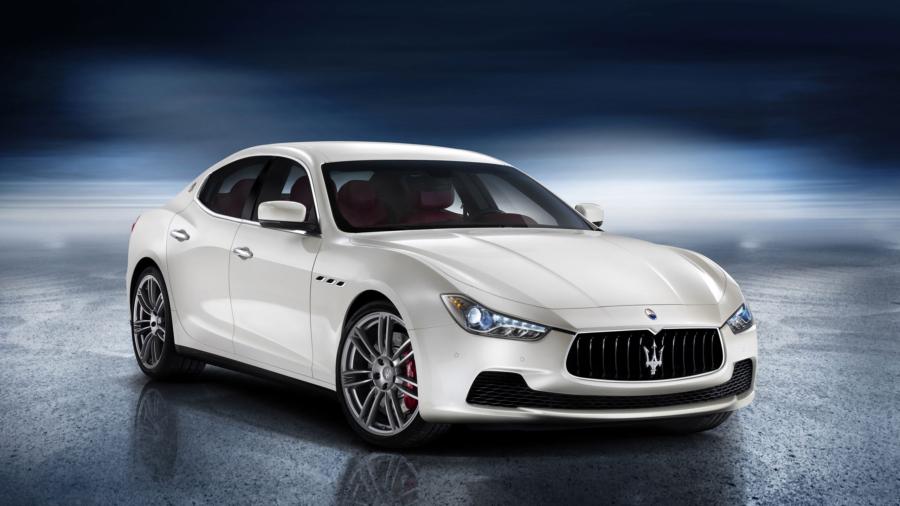 Auto___Maserati_Maserati_Ghibli_car_on_the_road__063717_